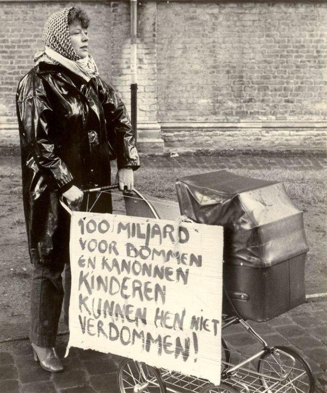 Betoging van Dolle Mina in Gent voor meer kinderopvang, 1980 (collectie Amsab-ISG)
